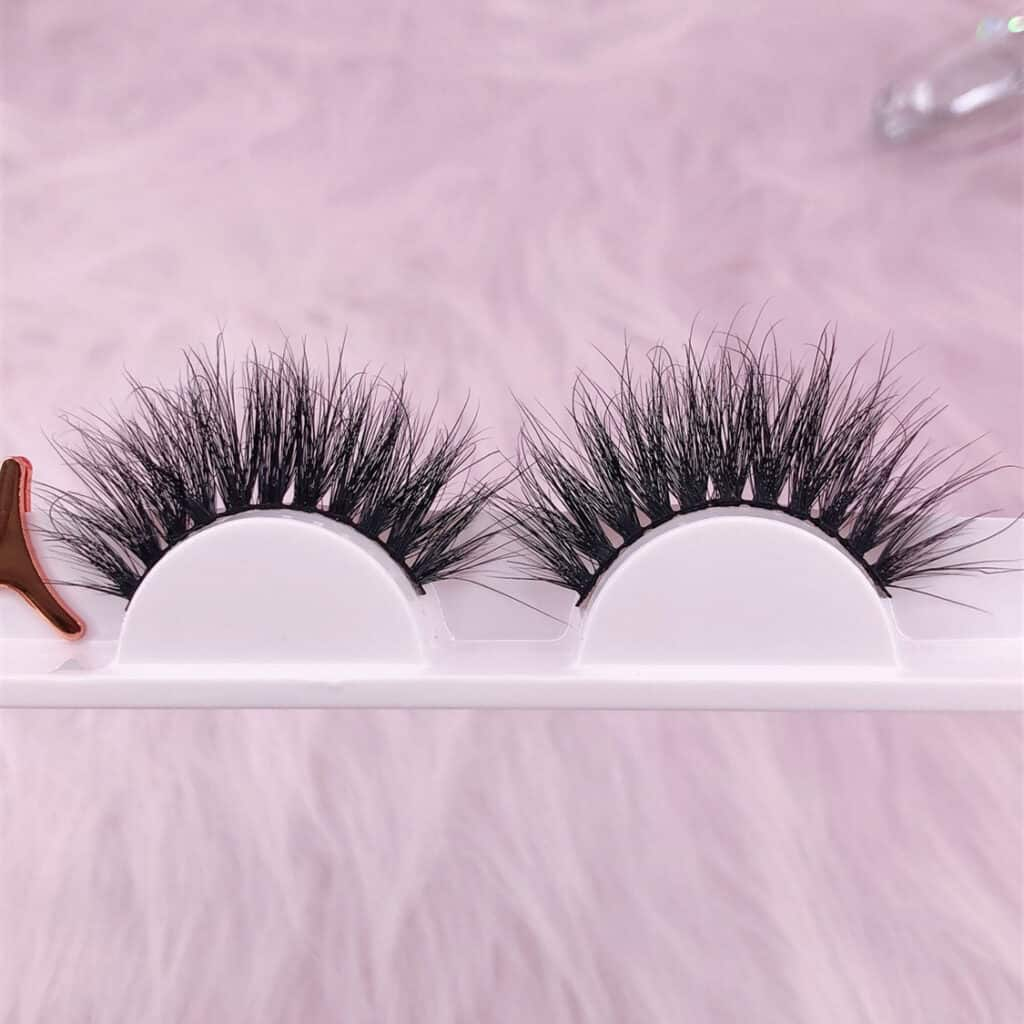 how to find a lash vendor